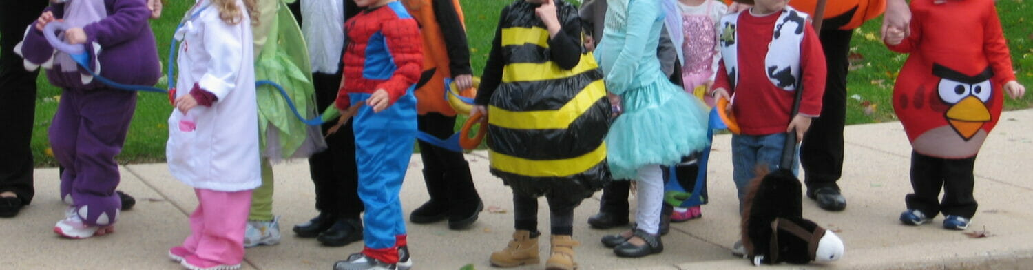 If you want a super-cute, super-easy costume to make, you just can't beat this simple yet adorable DIY bee costume.