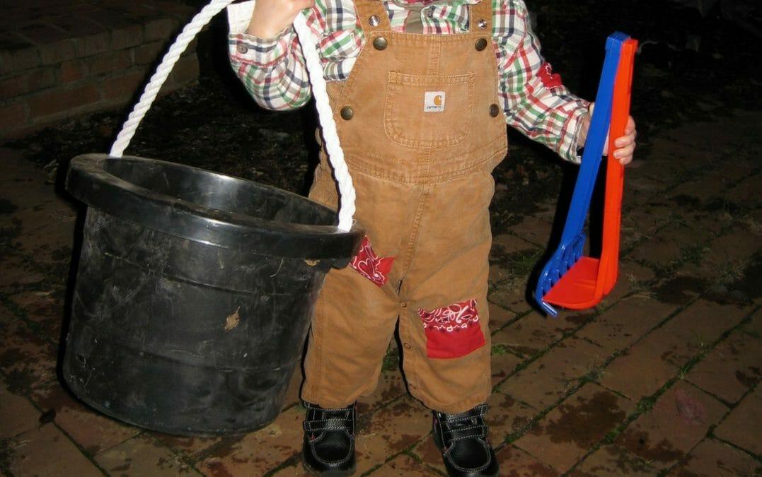 Super-Simple, Super-Fast Scarecrow Costume