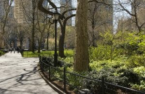 Considering a trip to New York City as a family? These tips will help you plan smart, get the most bang for your buck, and truly enjoy your NYC trip!