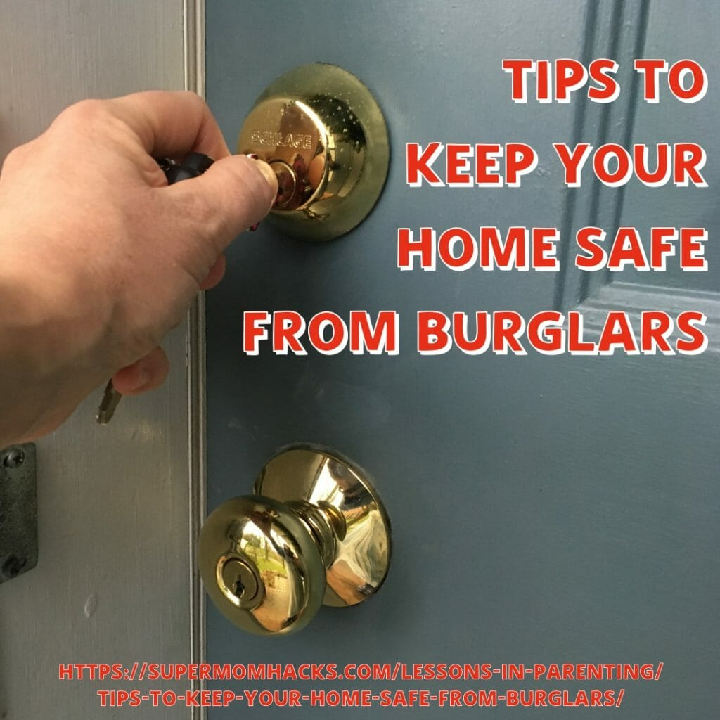 Are you traveling over the holidays? Is your home safe to be empty while you're gone? Read these tips to keep your home safe from burglars!