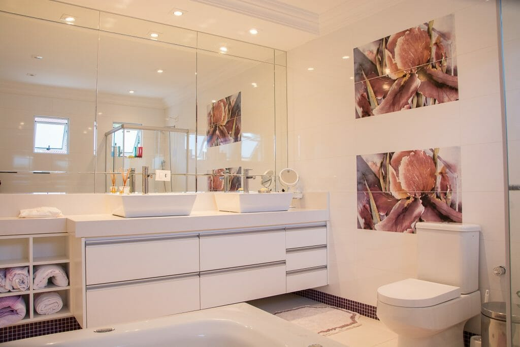 Want a new look in your bathroom, but can't afford a complete overhaul? These easy, budget-friendly bathroom remodel ideas are just what you need.