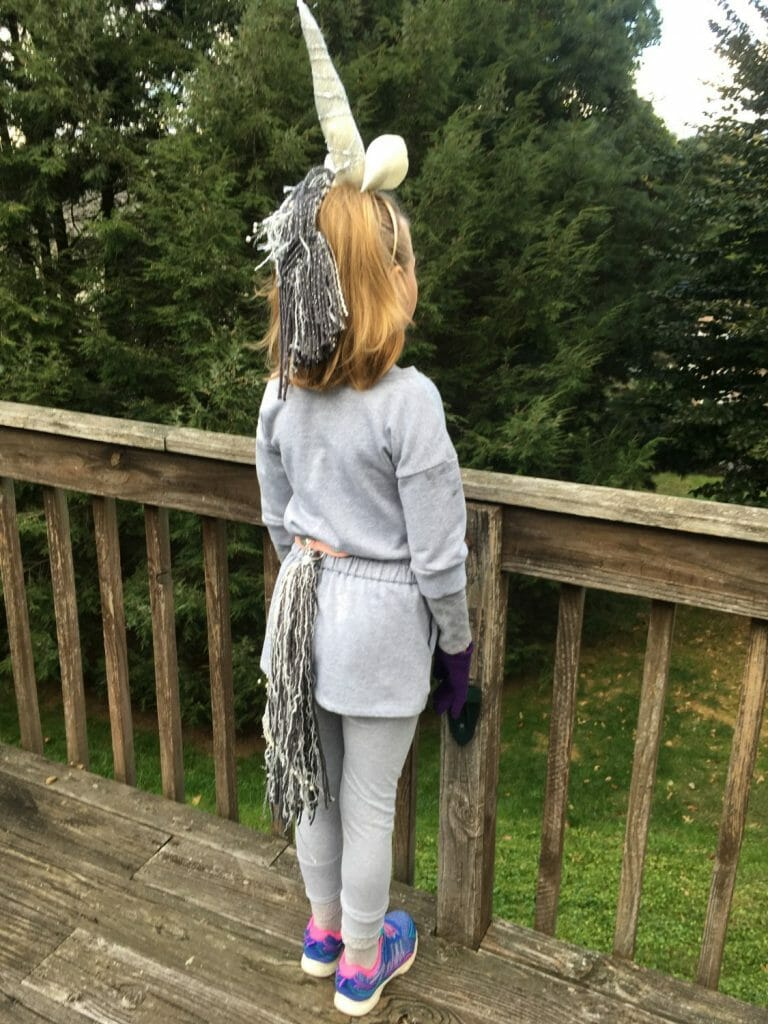 Got a tween or teen who wants to be a unicorn this Halloween? This easy unicorn costume tutorial will get you a sophisticated look in a few hours.
