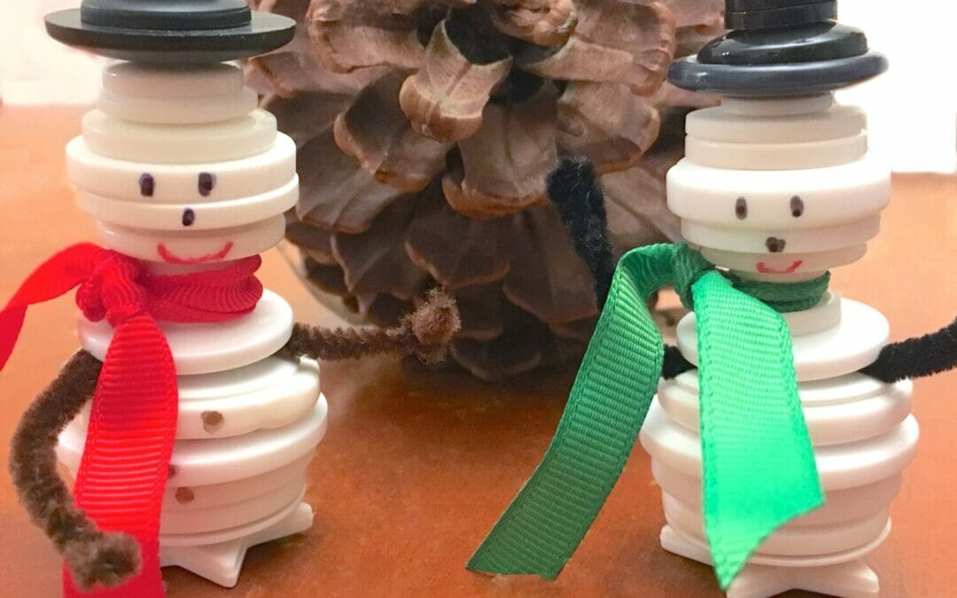 Cute & Easy Button Snowman Ornaments (DIY Christmas Ornaments!)